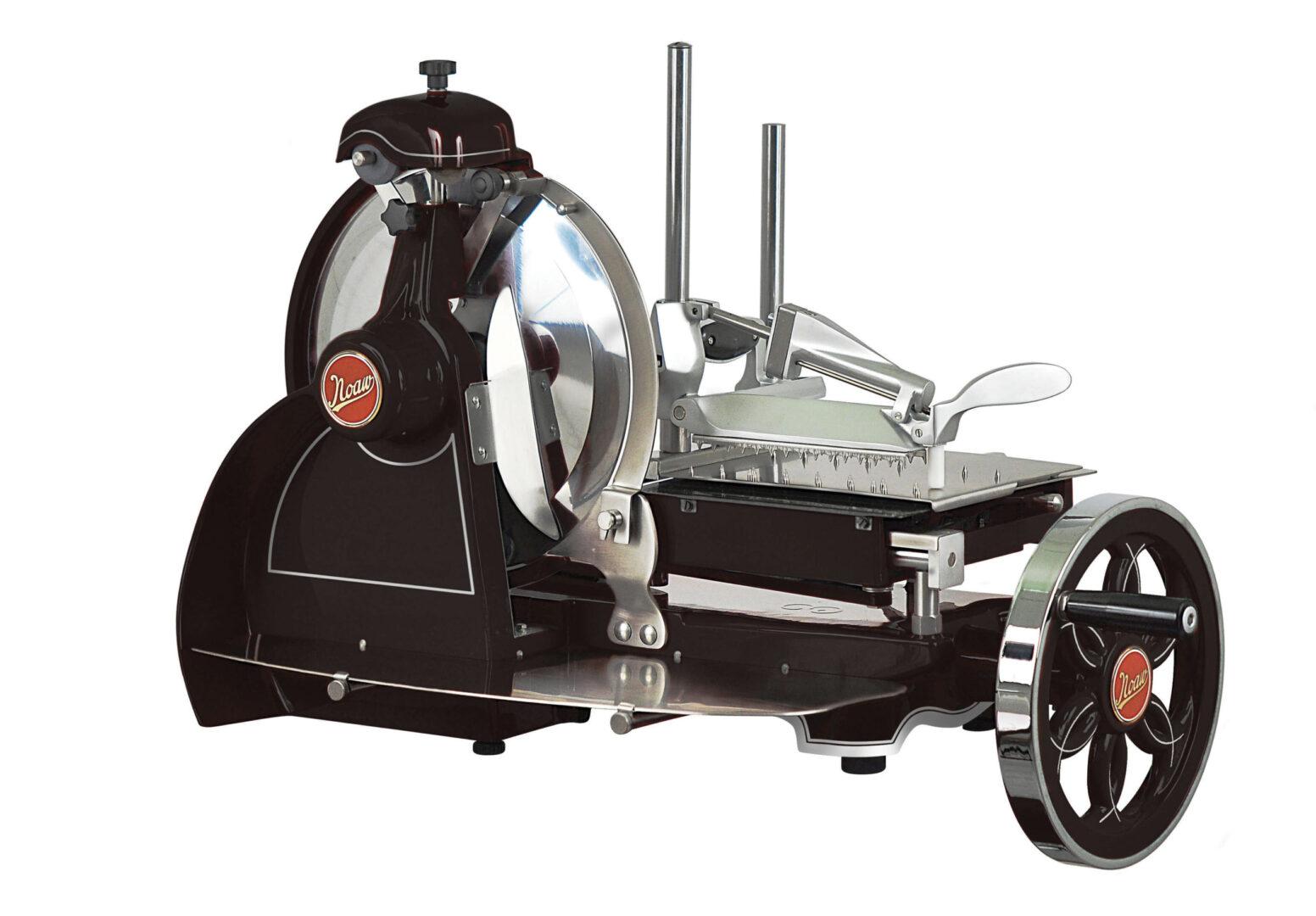 NOAW Traditional Black Flywheel Slicer